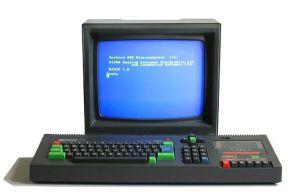 800px-Amstrad_CPC464